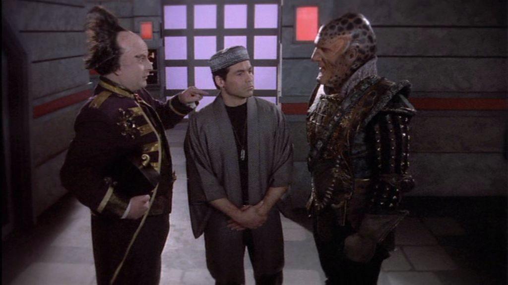 """""""Haben SIE etwa diesen Statisten bestellt?"""" - """"Ja, denn mit einem peinlich berührten Dritten kommen unsere Dialoge erst wirklich zur Geltung!"""" Aufzugsfhrten mit G'kar und Londo sorgen IMMER für Spaß"""